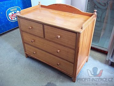 Dřevěná skříňka - komoda - masiv