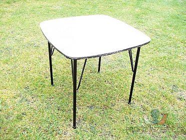Stoly - Stůl na železných nohách - 4kusy