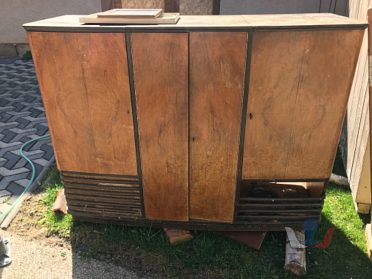 stará skříň masiv