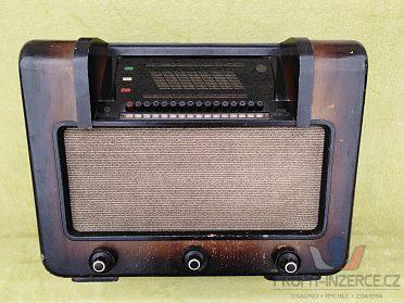 Koupím toto staré rádio Telefunken  aj.