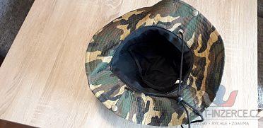 Maskáčový klobouk