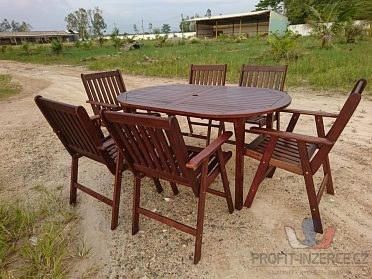 Dřevěný nábytek na zahradu