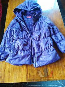 Fialová zimní bunda prošívaná.