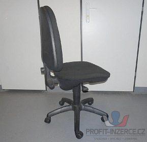 Dvě kancelářské židle,výškově stavitelné