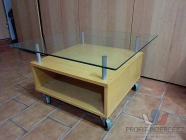 Konferenční stolek na kolečkách