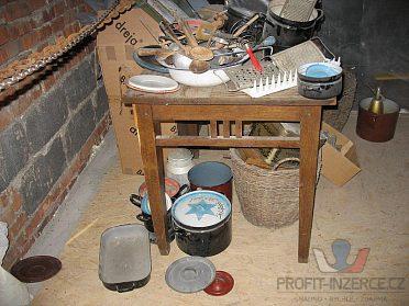 Kuchyňské nádobí (starší).