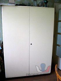 Skříň šatní bílá (sleva 300 Kč)