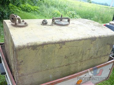 Kovová nádrž na vodu