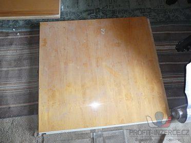 Dřevěné desky z postele