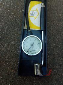 Měřič tlaku vzduchu v pneumatikách
