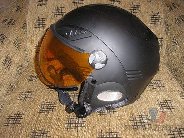 Lyžařská helma Mango