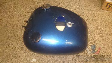 Moto nádrž modra včetne spínačky