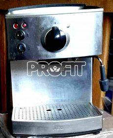 Pákové espresso  AEG