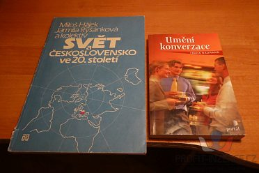 Různé knihy