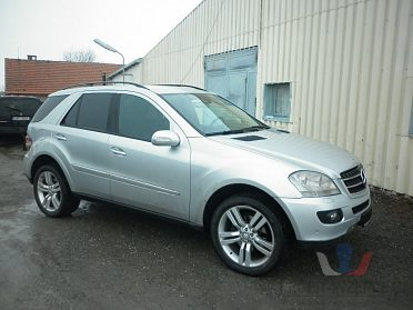 Mercedes ML 163 a 164 díly