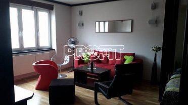 Pronájem/rental apartmán Praha 6