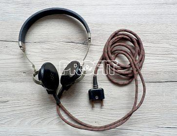 Starožitná vysokoohmová sluchátka