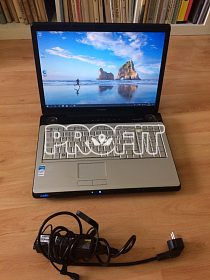 Toshiba 17 palcový notebook WIN 10 HDMI