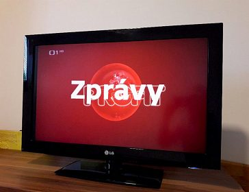 Kvalitní  LCD  televizi 42 LG 3000