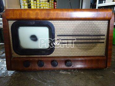 Stará TV TESLA Tesla 4001A z roku 1953