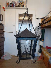 Měděná elektrická lampa