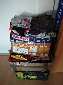 3vrchovate krabice oblečení s,m