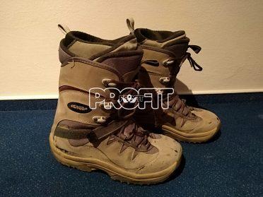 Prodám boty na snowboard značky Askew. vel 45.