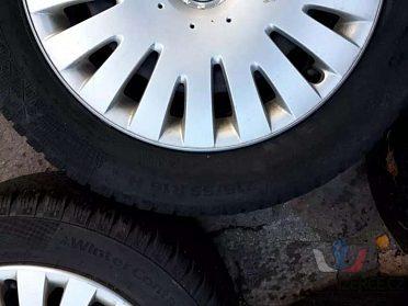 Zimní pneu Continental na ráfkách