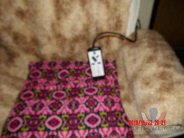 Prodám relaxační masážní křeslo+taburet