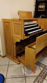 špičkové třímanuálové varhany Johannus