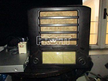 Staré bakelitové rádio