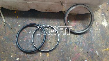 Prodám sadu nových těsnících kroužků na hydraulické písty