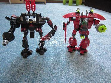 Stavebnicové  díly k sestavování akčních figurek a hraček