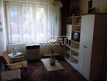 Prodej obývákové stěny a skříní,