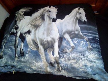 Povlečení jednolůžko bílí koně ve vodě
