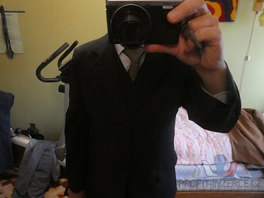 Tmavomodrý pánský oblek s vestou