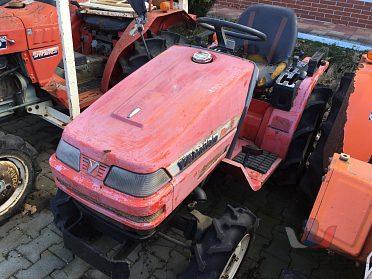 Traktor-malotraktor Yanmar KE3, výkon 13