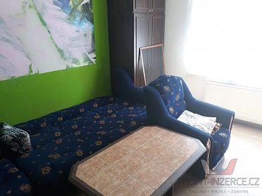 obyvaci stena a rohova sedacka