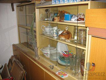 Porcelán kuch., vázy,upomínkové předměty