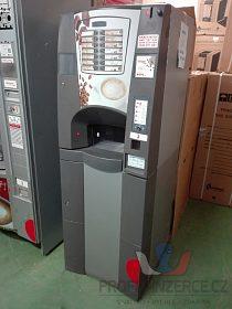 Nápojový automat - 14 možných voleb.