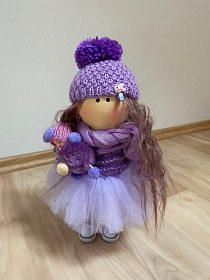 Ručně šitá hadrová panenka - FIALKA