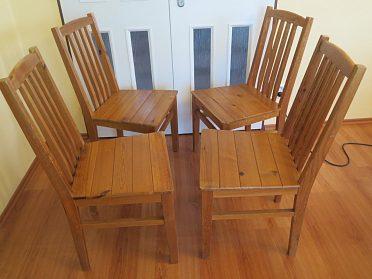 prodáme 4 dřevěné židle borovice-masiv