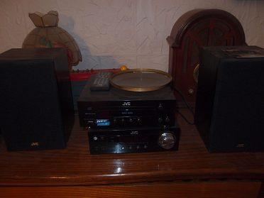 prodám JVC s USB,CD,MP3