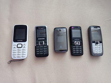 Tlačítkové telefony