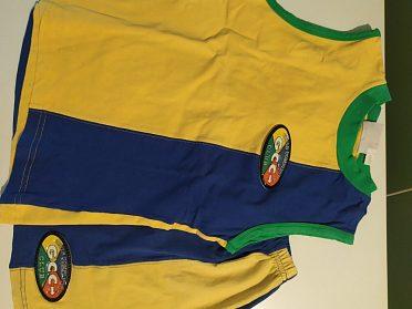 Tílko a sukně značky CCC CLUB  vel.152