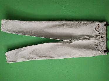 Bílé džíny značky JOHN F. GEE VEL.34