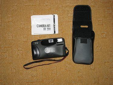 Fotoaparát HAMA FF 200 na kinofilm.