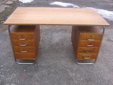 Koupím starý nábytek dřevěný i s chromem