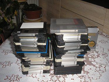 Diskety 1,44 a úložné boxy