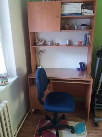 Nábytková stěna s pracovním stolem